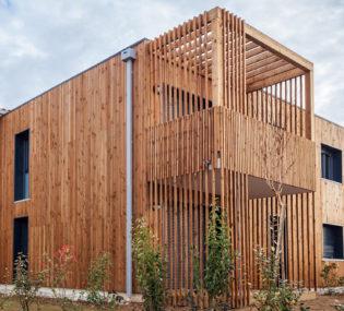 Résidence de 24 logements à Seysses. Architecte: Boussier architecte. Photographe: Stéphane Croizean