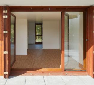 Résidence de 34 logements à Ville-d'Avray Architecte : Jean et Aline Harari. Photographe : Antoine Mercusot