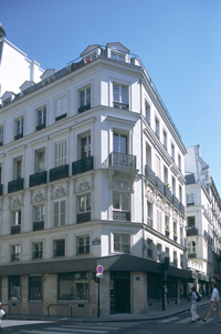 PARIS09-RUE-TAITBOUT.jpg